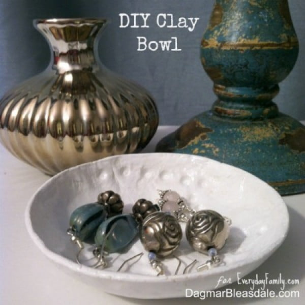 DIY Air Dry Clay Bowl #DIY #clay #dish #trinket