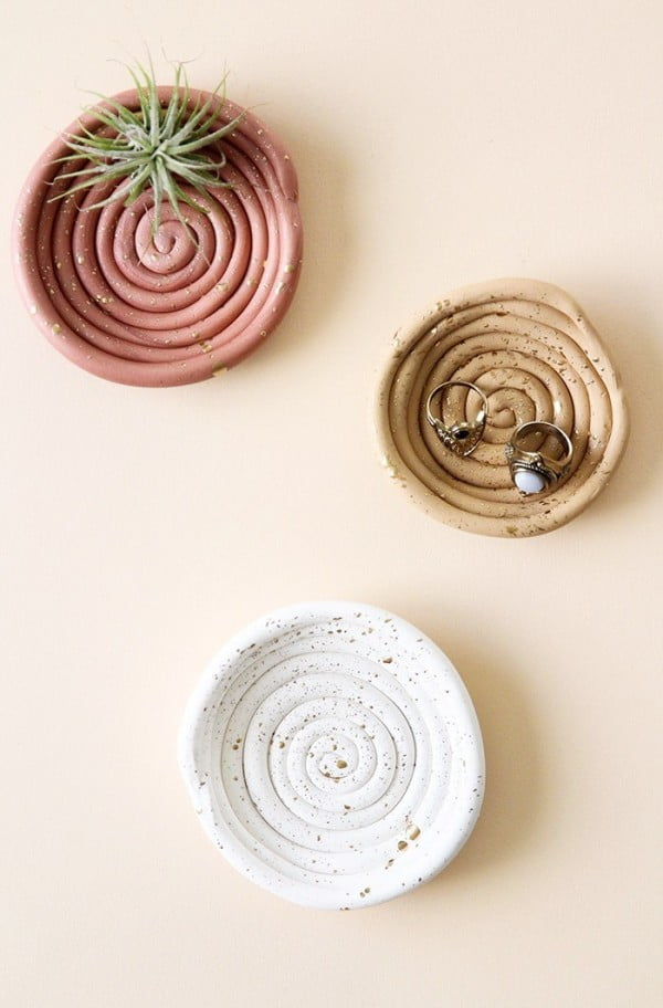 DIY Clay Ring Dish #DIY #clay #dish #trinket