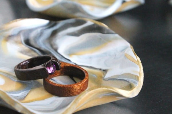 DIY Marbled Clay Ring Dish #DIY #clay #dish #trinket
