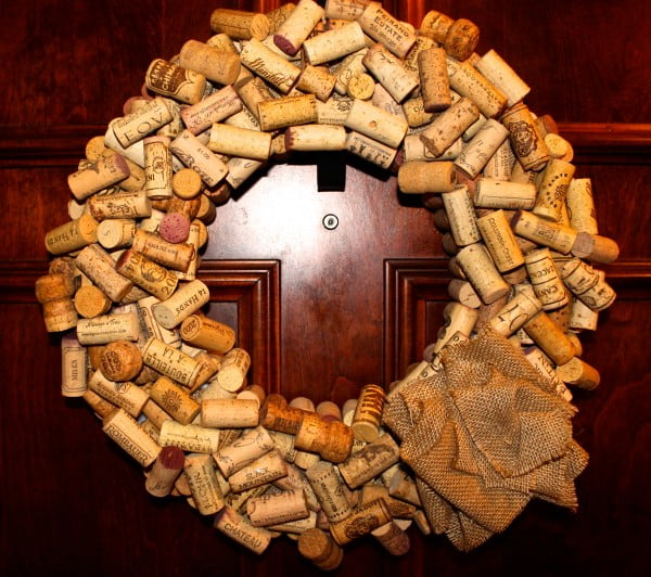 DIY Wine Cork Wreath #DIY #craft #winecork