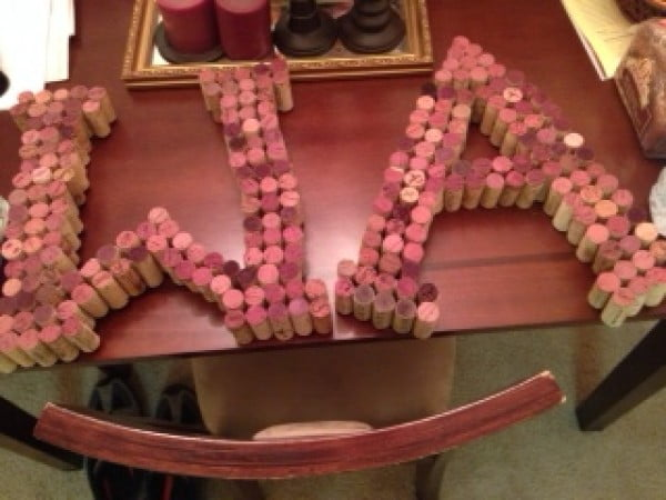 DIY Wine Cork Monogram #DIY #craft #winecork