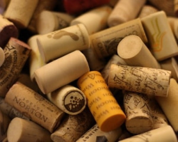 Trim the Tree with DIY Wine Cork Ornaments #DIY #craft #winecork
