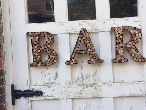 DIY Wine Cork Bar Sign #DIY #craft #winecork