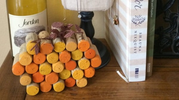 DIY Wine Cork Pumpkin #DIY #craft #winecork