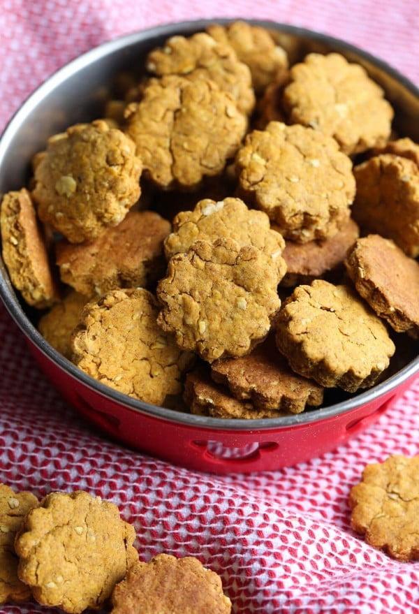 Homemade Pumpkin Peanut Butter Dog Treats!