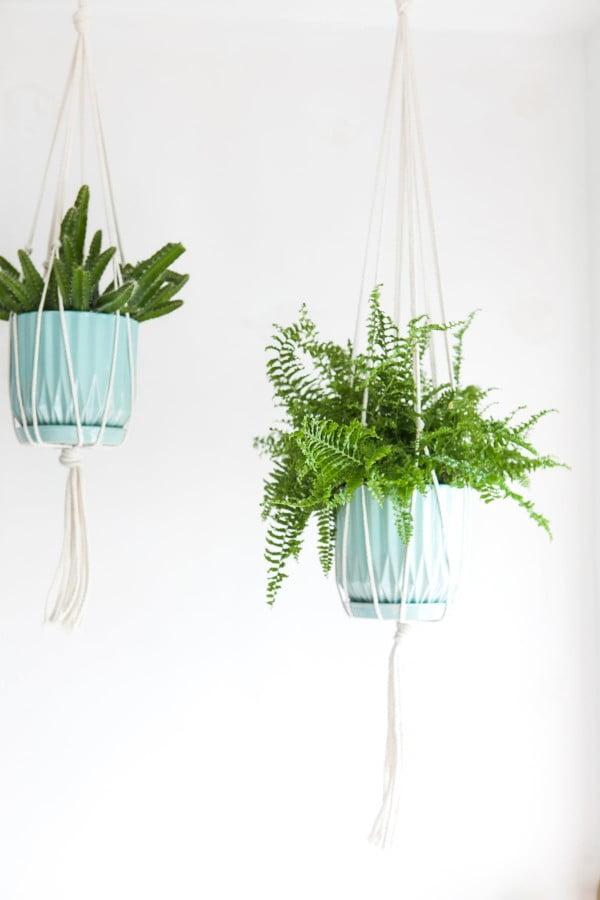 DIY Macramé Plant Hanger » Jessica Brigham