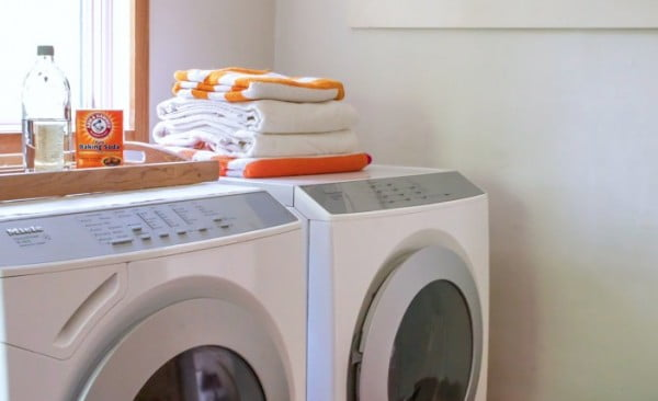 Your Weekend Project: How to Clean and Deodorize the Washing Machine